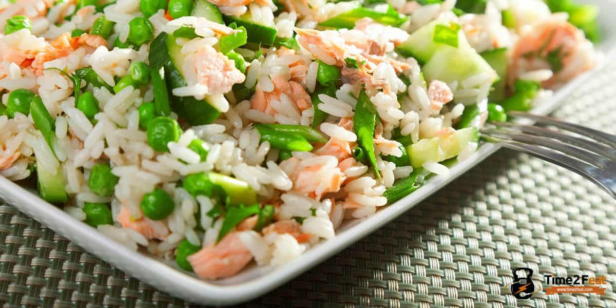 ensalada arroz salmon calabacin guisantes