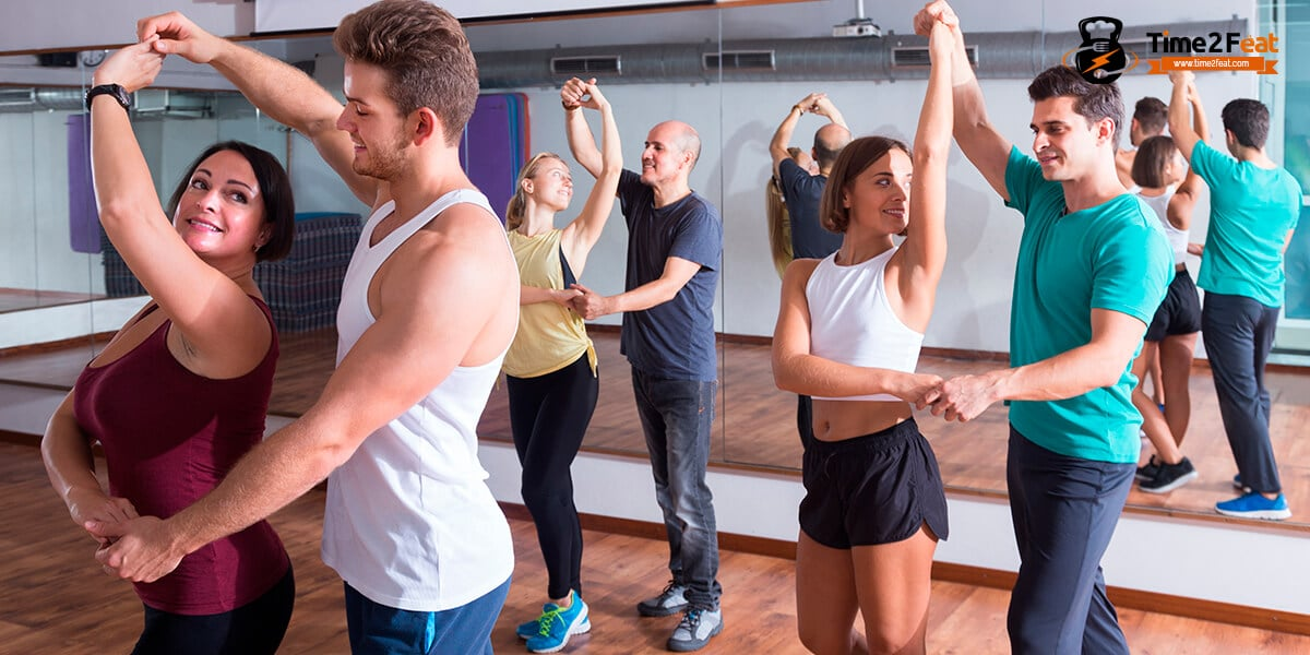 mejores clases colectivas gimnasio en grupo ejercicio entrenamiento efectivas latino